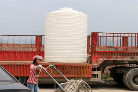 10吨塑料桶,10吨塑料桶生产厂家,装水的10吨塑料大桶